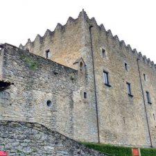 In eine Burg verwandelt