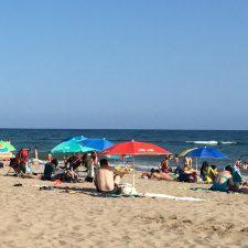 Ein Familientag am Strand